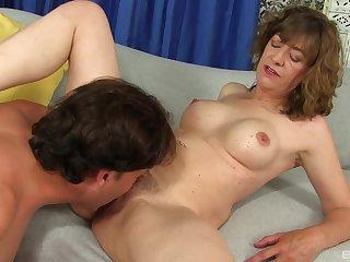 Sapphist loves to bonk and feel sperm on her gradual clit