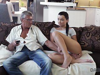 Whorish coed Erica seduces granddad of her best girlfriend