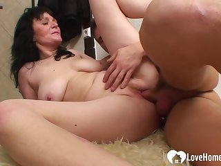 Milf Gets Her Cunt Pounded In Diverse Positions