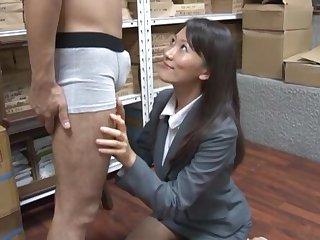 Lustful Japanese secretary Kozue Hirayama drops on her knees to blow