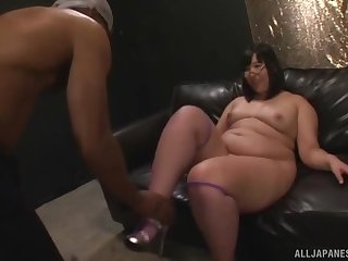 Creampie ending after fucking between a BBC and chubby Yurino Hana