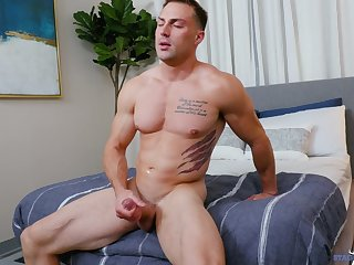 Deep jerk withdraw solo session by a good expecting gay varlet