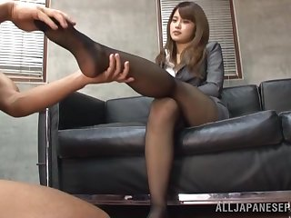 Feet licking and pussy drilling wean away from behind makes sexy Sumire cum
