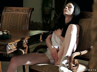 Caring and steamy solo masturbation is what sexy Arwen Gold loves over again