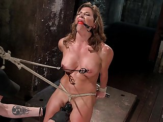 Ariel X craves for two sex toys deep inner say no to grungy and shaved holes