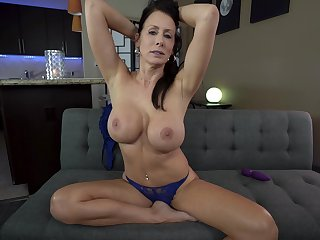 Busty mature goes acting mode in a sufficient solo XXX