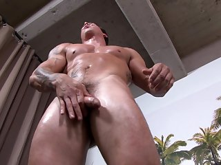 Hunky soldier tugs his rod during solo action